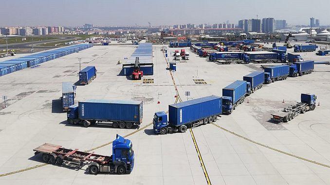 Thyyi Estambul Aeropuerto