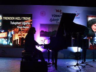 tuluyhan ugurludan de la concert alsancak garinda