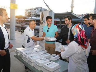 presidential tin train train passengers iftarlik dagitti