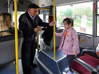 El ministerio es un ejemplo en vehículos de transporte público.