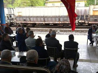 οι σιδηρόδρομοι κόβουν την προσευχή και τη θυσία για τους συναδέλφους τους