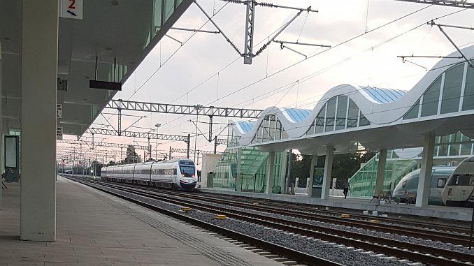 istanbul eskisehir tarifa de billetes de tren de velocidade e tempo de viaxe