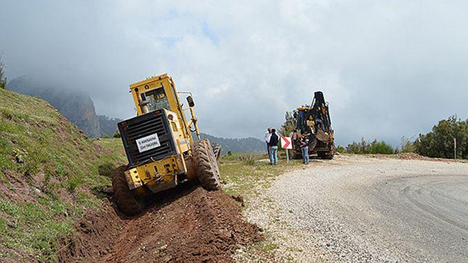 repairing roads in cone and maneuver