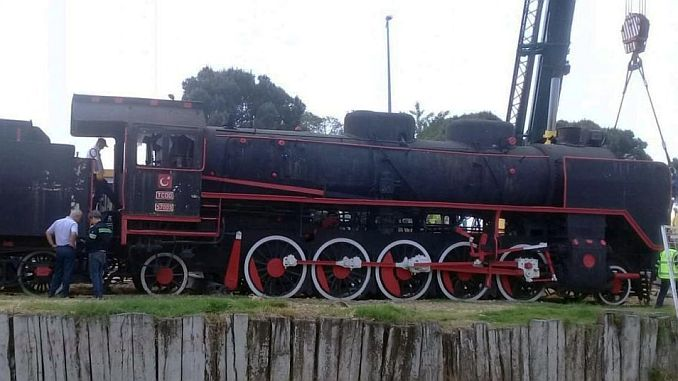 mujde steam locomotive balikesire freezes back