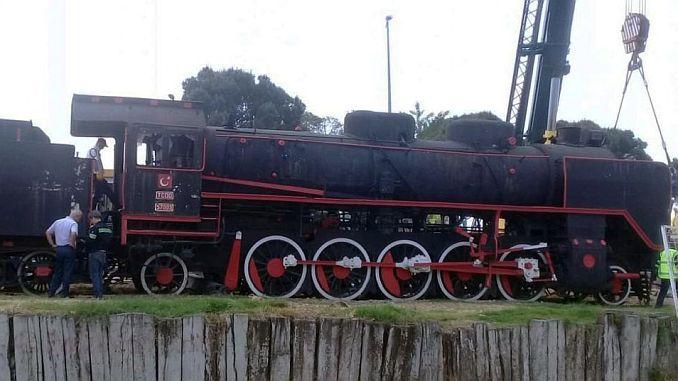mujde buharli lokomotif balikesire geri donuyor