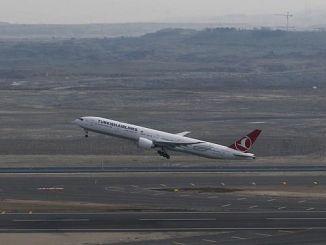 landing op de luchthaven van Istanbul is verstoring door de wind