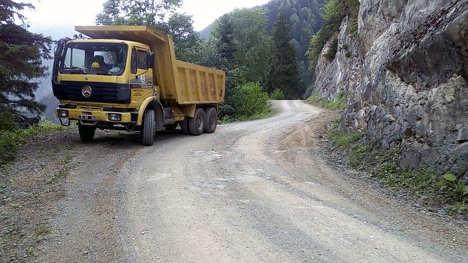Straßenarbeiten wurden in Trabzon gegeben