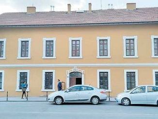 La primera estación es aciliyor biblioteca turkiyenin en Konya