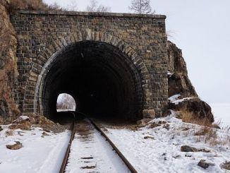 ankara kayseri demiryolu hattinda kar siperi yapilmasi