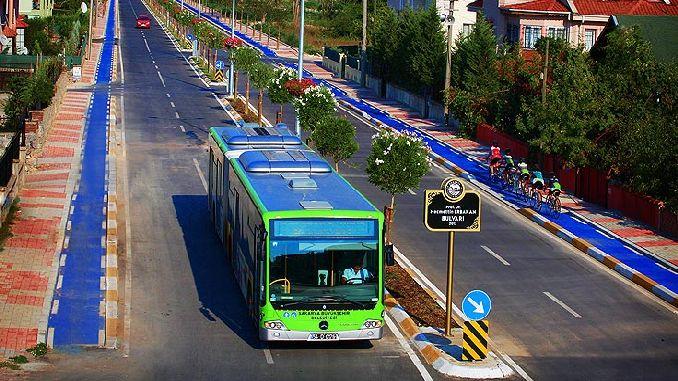 Die Stadtbusse von Sakarya fuhren in die Sommerzeit