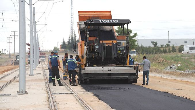 начались асфальтовые работы на трамвайной линии Sultandere
