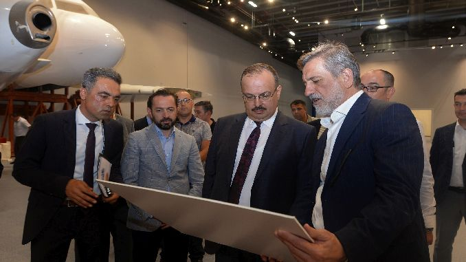 governor canbolat reviewed his technology-focused projects