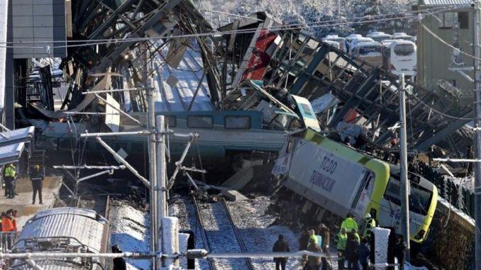 γεγονότα πίσω από σιδηροδρομικά ατυχήματα