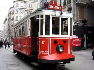 energy cable of the nostalgic tram on istiklal street is broken