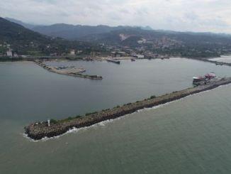 esercito che arriva al porto