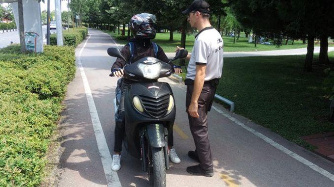 stretto controllo dell'uso della moto nel parco
