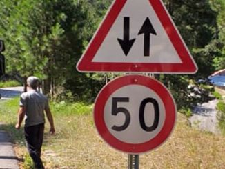 alanya gedevet road traffic warning signs are placed