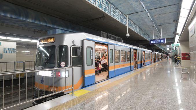 Programa de tarifas do metro nocturno de Istambul