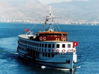 Izmir ဂလားပင်လယ်အော်အတွင်းလွမ်းဆွတ် steamboat လေ့လာရေးခရီးနည်းဗျူဟာ