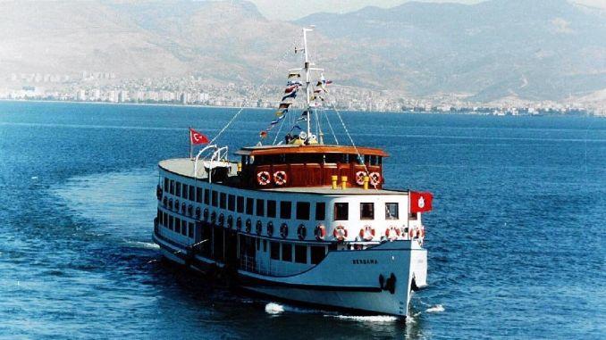 מעבורת הנוסטלגיה יוצאת מאיזמיר קורפז