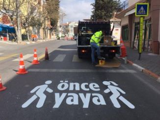 pedestrian crossing in balikesir