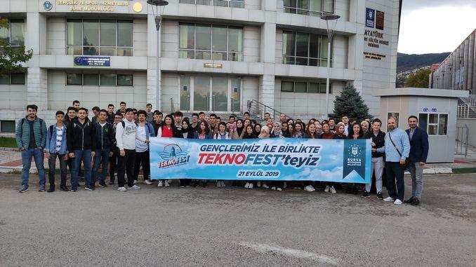 बर्साली विज्ञान उत्साही मोठ्या शहर टेक्नोफेस्टला भेटले