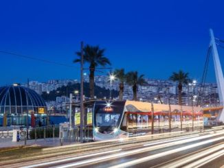 izmirde metro ve tramvayda cumadan pazara baykus seferleri basliyor