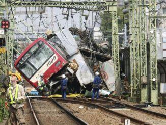 camión herido en Japón por tren tren