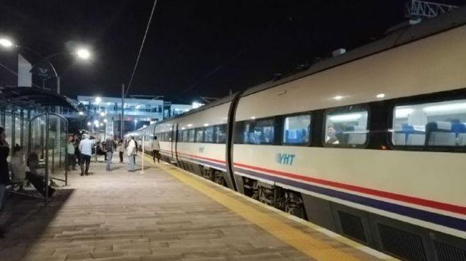 yht passengers stranded on eve