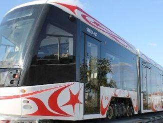 サムスンの最初の国内路面電車が市内に来ました