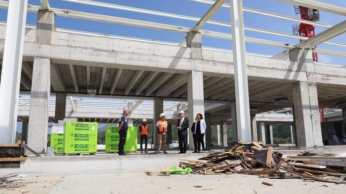 Lavori di costruzione di stazioni degli autobus di bodrum in corso