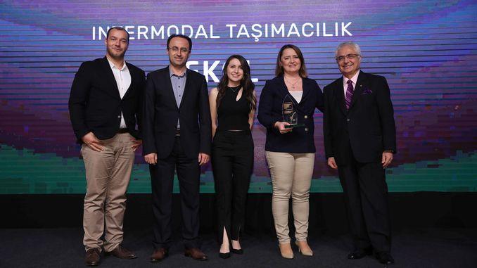 El model de transport intermodal de l'escola va rebre un premi de sostenibilitat