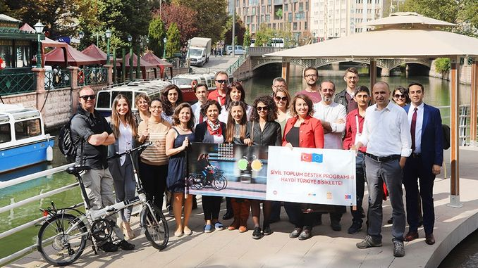 Vine a Eskisehir taller de bicicletes gall dindi celebrada