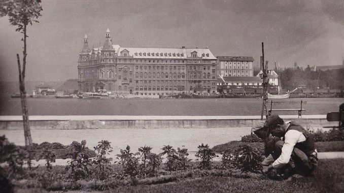 haydarpasa station historical construction story and Haydar Baba Turbesi