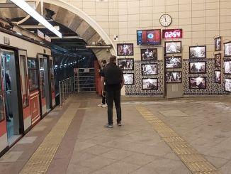 Exposición karakoy tunel ara guler