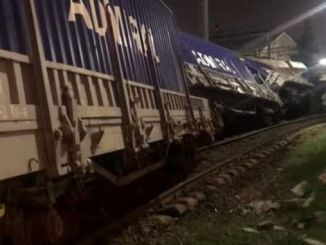 د mirightmirmirmir ر train. accidentو accident accidentښ accident w w w واګون د trainightر trainر train... de. de....................