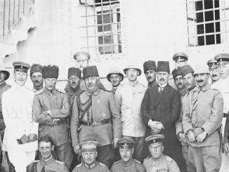 Komandan Kelompok Petir Tentara