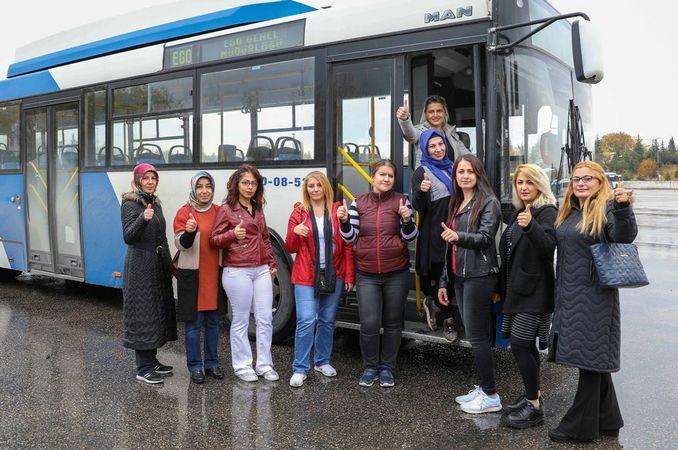अहंकार सार्वजनिक परिवहन वाहनों को महिला बस सॉफोरू मिलेगा