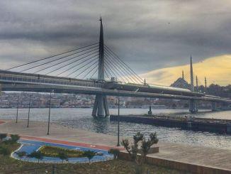 هزینه و طول پل مترو هالیک