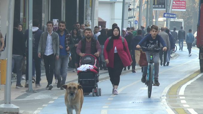 Istanbul Street te louvri nan sèvis la chemen bisiklèt