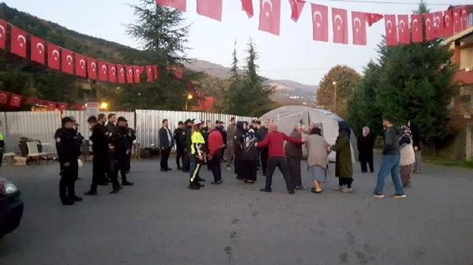 police intervention in the cemetery of the cable car resistance