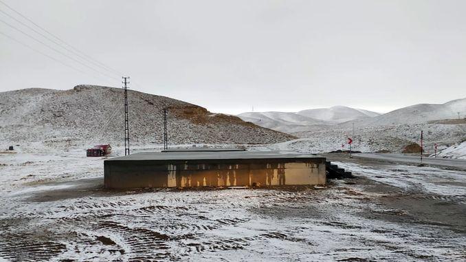 ရာသီ၏ပထမ ဦး ဆုံးနှင်း၏ yedikuyular နှင်းလျှောစီးအပန်းဖြေစခန်း