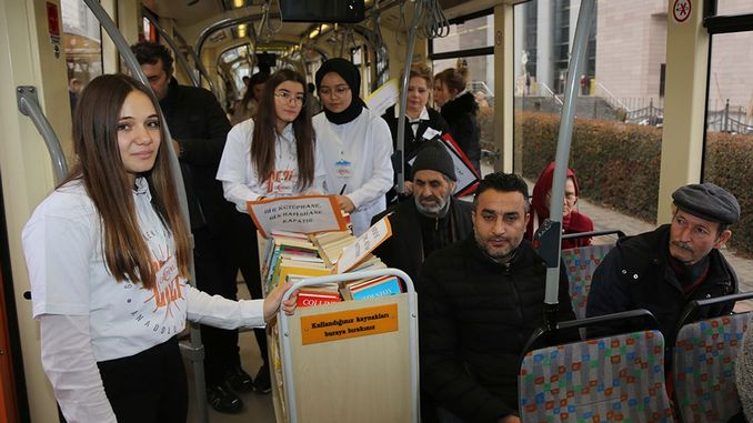 In Eskisehir, students distributed books on the tram