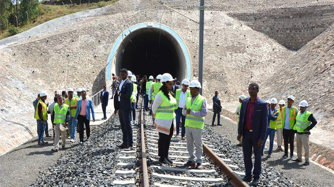 etiopisk transportminister akh dmiryolu webbplats besökte