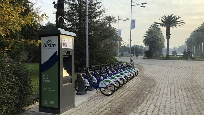 izmirin smart bike rental system has gained more bisim station