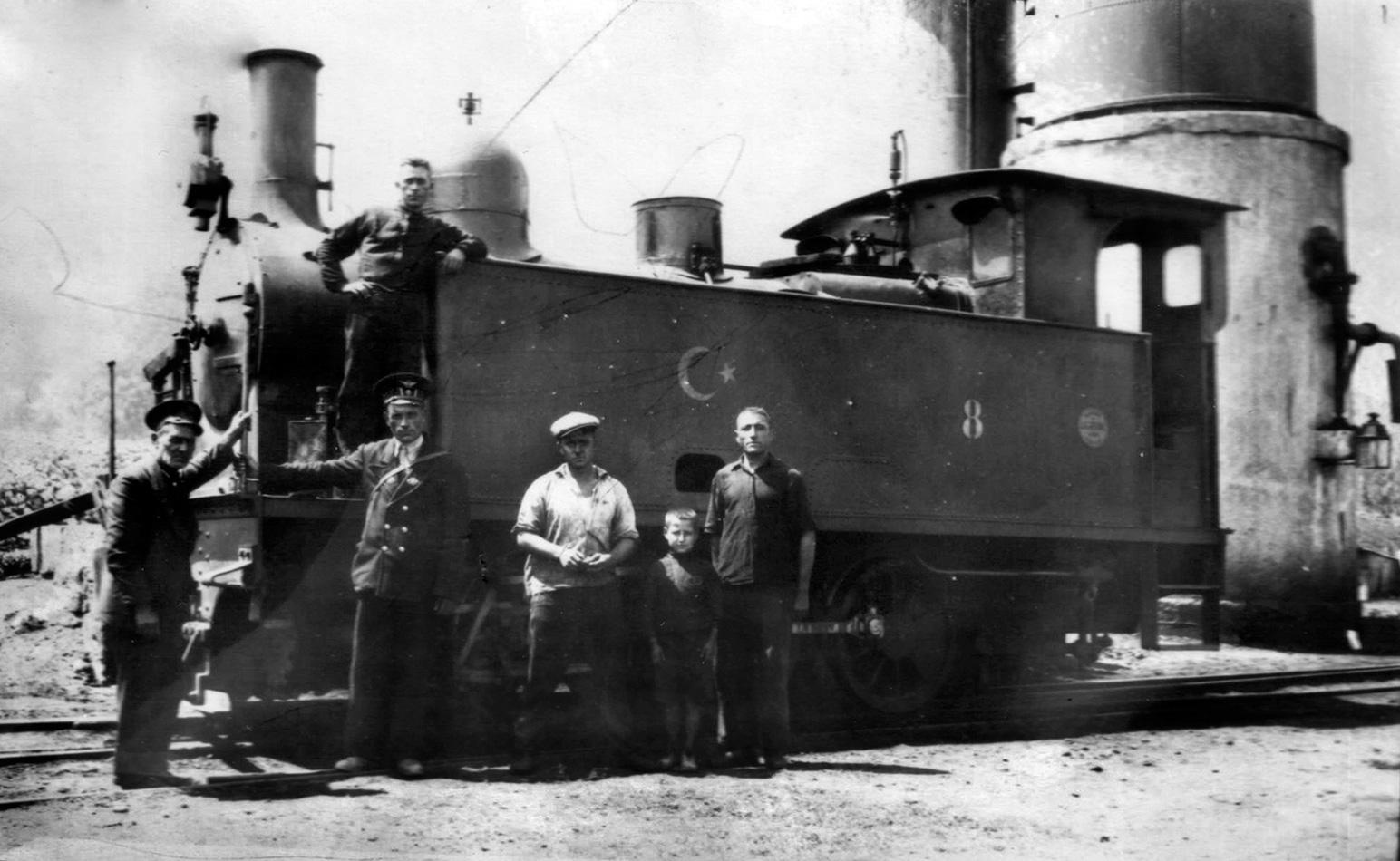 Бурса Муданя влак парен локомотив