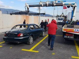 izmir buyuksehir municipality has established parking for scrap vehicles