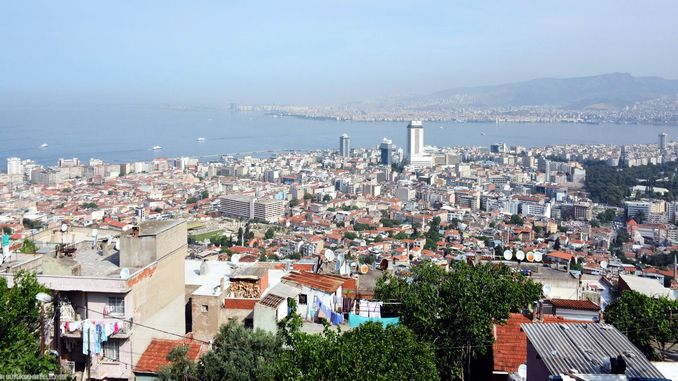 Der Entwurf des Wiederaufbaus von Izmir wurde angenommen