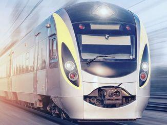 делегациите на страните участват в шоуто на железопътната индустрия с работещи ателиета