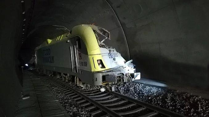 orang-orang dalam kecelakaan kereta api selama bertahun-tahun